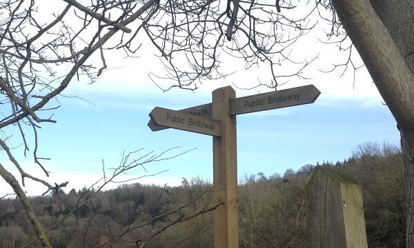 Signpost winter